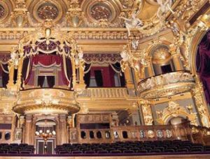 Garnye's hall