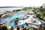 In Seoul, outdoor swimming pools opened