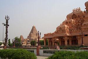 Temple complex Chattarpur