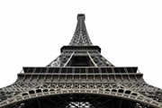 The Eiffel tower will be protected by a glass wall from terrorists
