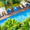 Tourists injured by jumping from the balcony into the pool