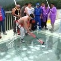 Tourists tried to break the world's longest bridge of glass