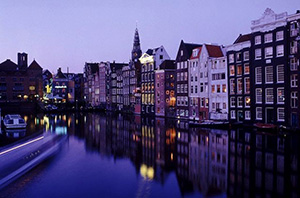 water-channel-of-Amsterdam